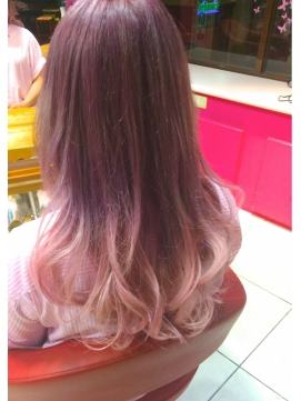 人形のようなピンクじゃなくて、人気なのはやっぱりヌーディーカラー、ルミエールカラーのピンクのヘアカラー\u00269825;