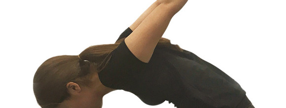 姿勢を正して若々しく!1日2分で疲労・肩こりを軽減する巻き肩改善ストレッチ