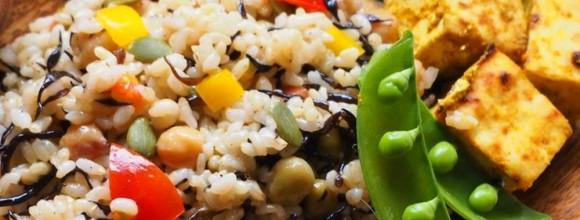 【キレイになるレシピ】春野菜を使って女性ホルモンを補う!ピクニックにもおすすめ玄米サラダと豆腐サテ<隔週金曜日更新>