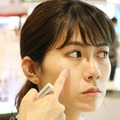 【DEPACO NEWS】デパコス初心者入門!RMKに聞いた、旬のツヤ肌の作り方。