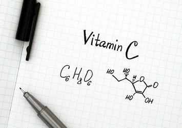 美肌の神、ビタミンCを効果的に与えられるリペアジェル