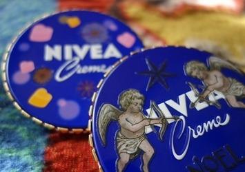 ボディケアとコロコロとニベアの青い缶★ の画像