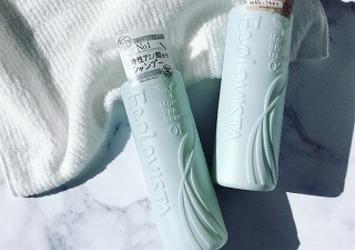 泡立ちの良いシャンプーで地肌からしっとり潤う髪に。