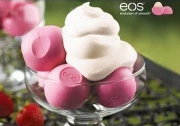 海外セレブも愛用!ころんと可愛いEOS Organic Lip Balm